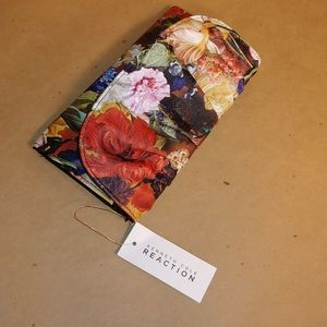 Kenneth Cole Reaction Floral Clutch Wallet NWT